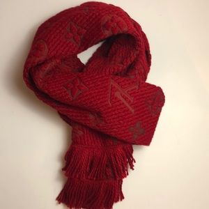 ✨Louis Vuitton Red Oversized Scarf